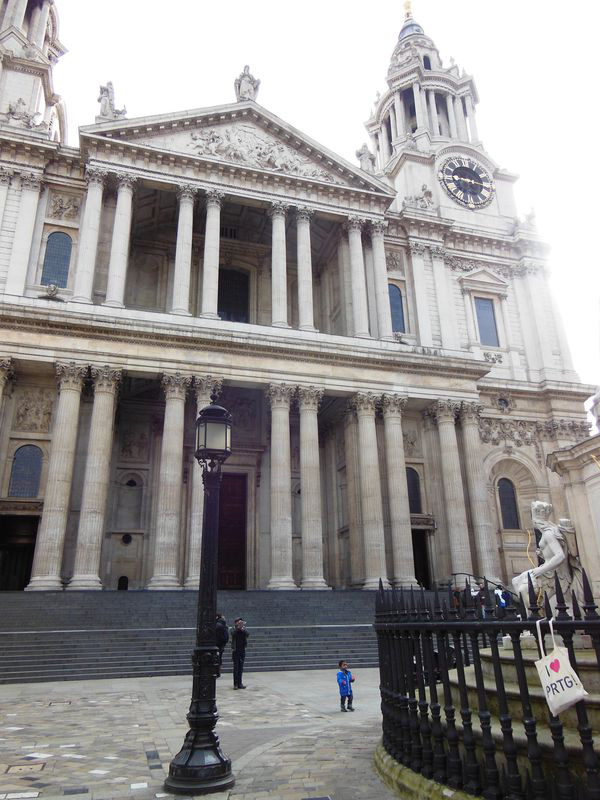 PRTG in London at St Paul's Cathedral