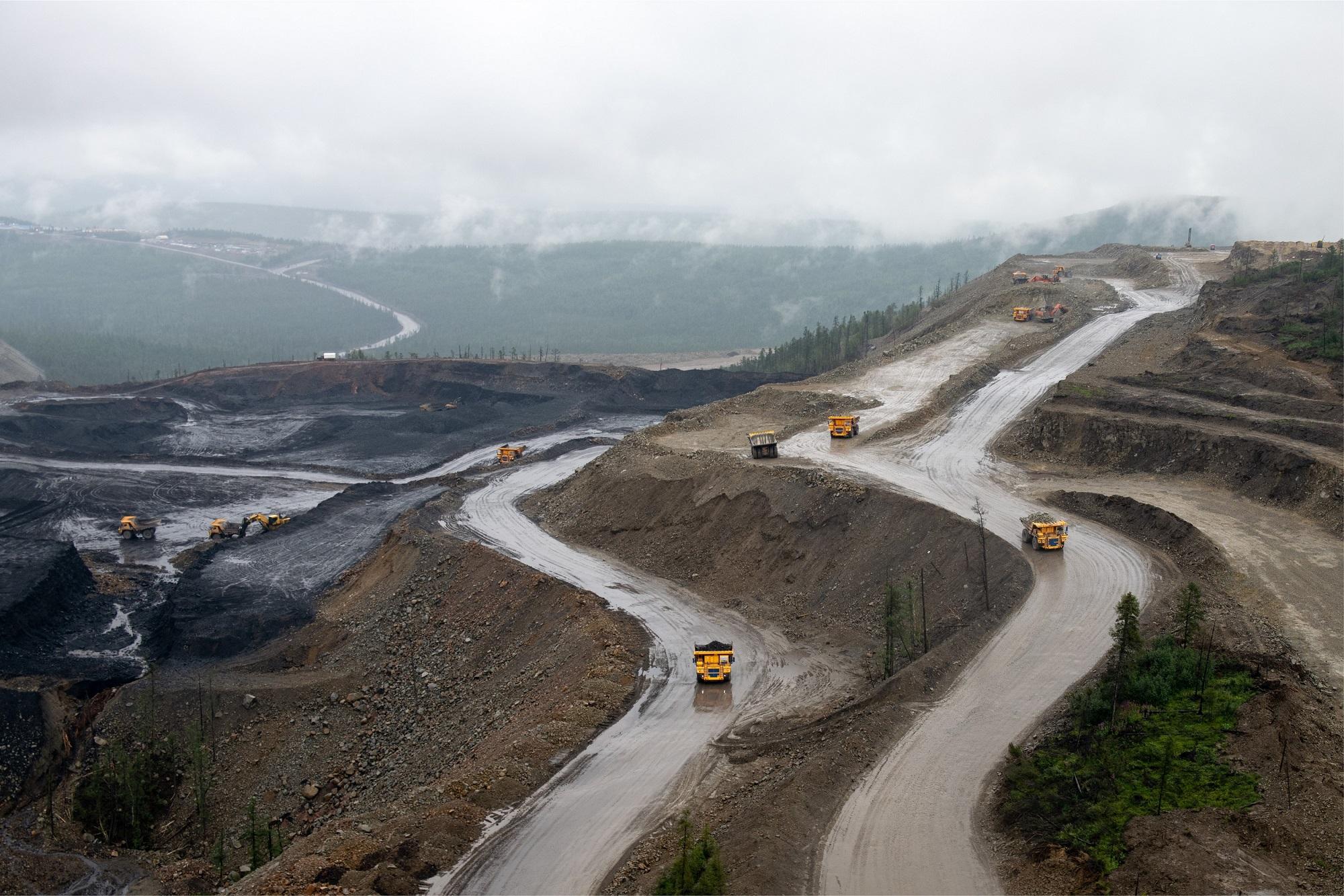 Добыча угля на Эльгинском разрезе